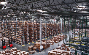 Large warehouse that can use InformaTrac Pro for RFID Inventory Tracking.